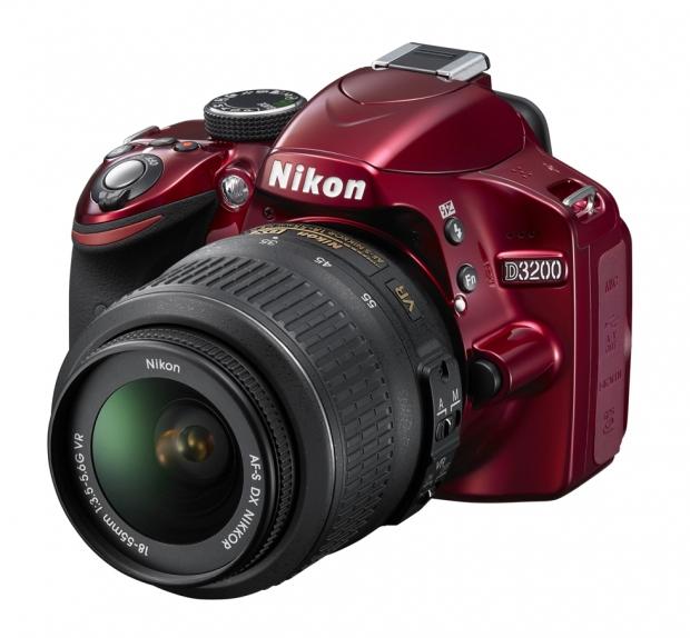 Nikon D3200 - цифровая зеркальная фотокамера начального уровня